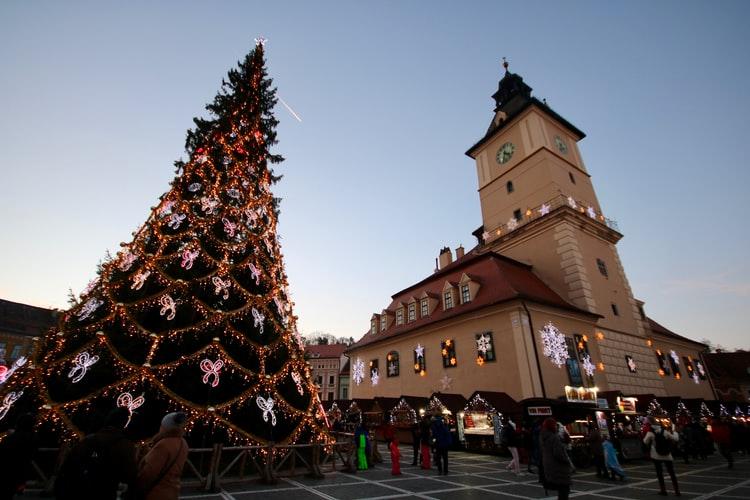 Ini Dia! Cara Menggaet Milenial Belanja Kado Natal di Toko Anda