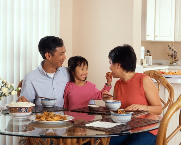 Unicef: Beraktivitas di Rumah, Kesempatan Berkumpul Bersama Keluarga