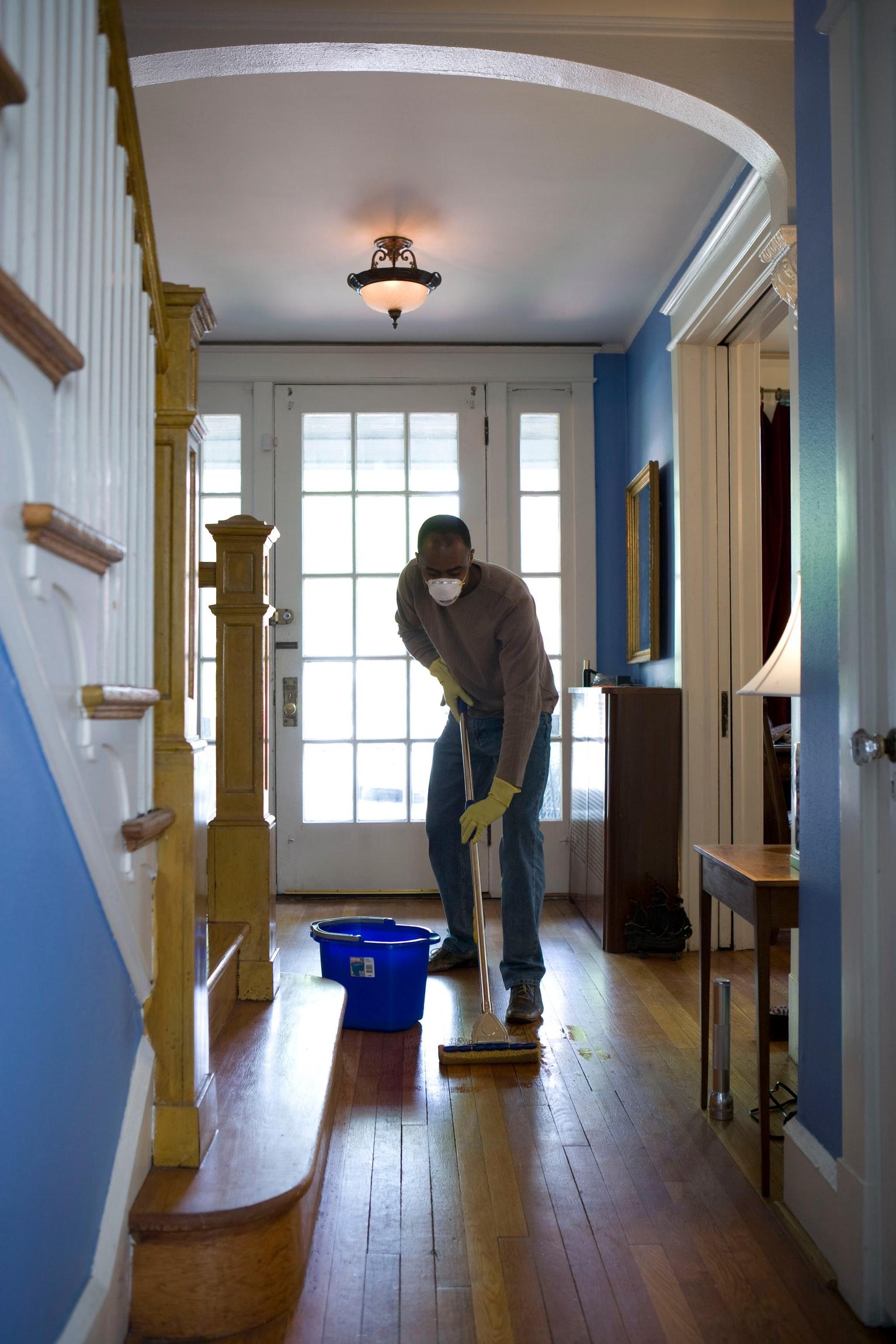 Jaga Kebersihan Rumah Saat Social Distancing